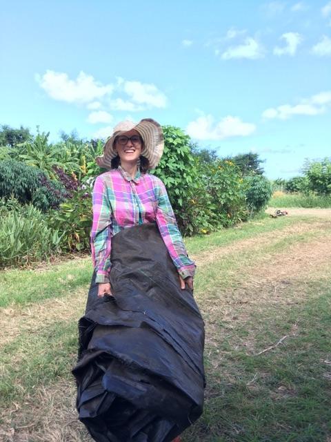 Windward Grad, Farmer Claire, gets some press!
